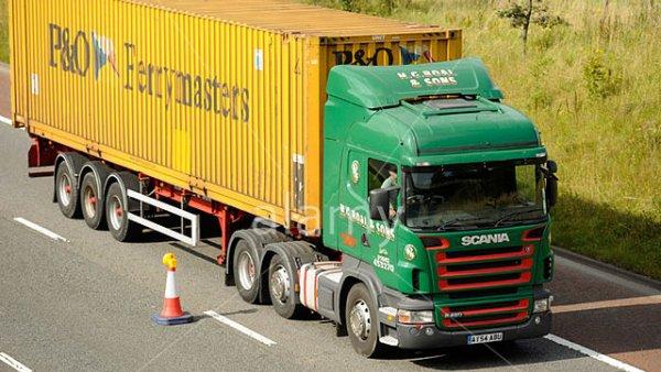 45' Box en plataforma de camión
