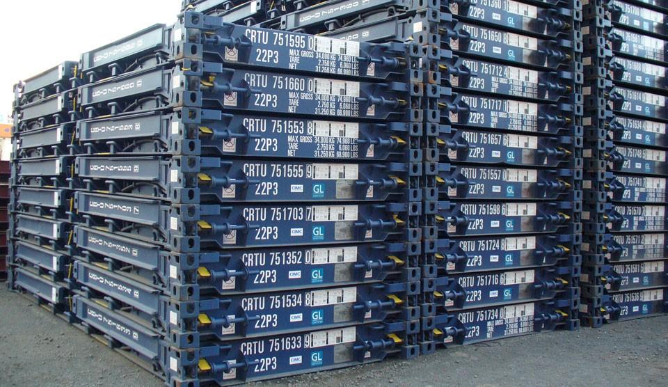 Contenedores Flat Rack plegados y estibados