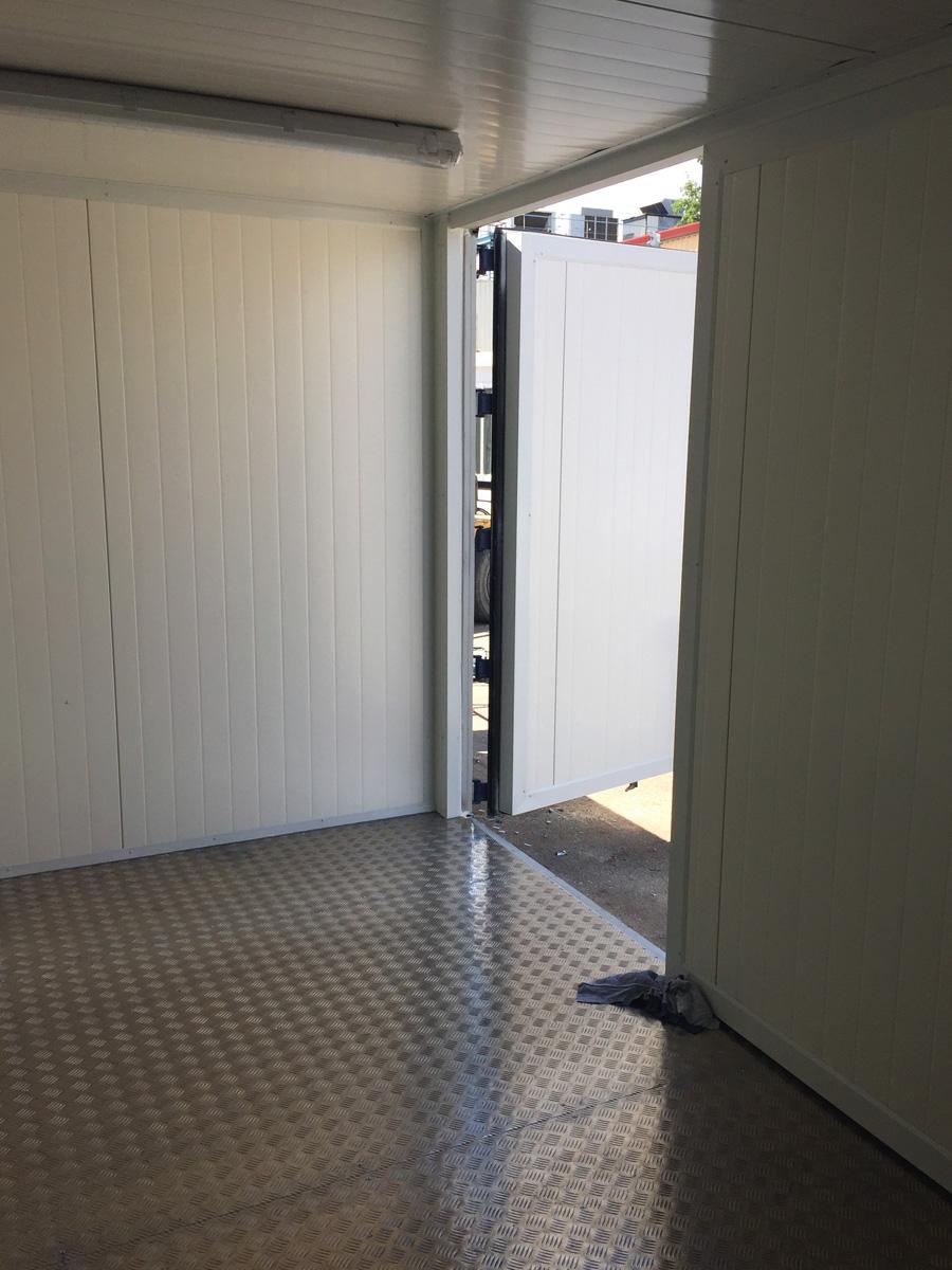 Contenedor Marítimo 20' Modificado - Detalle Puerta