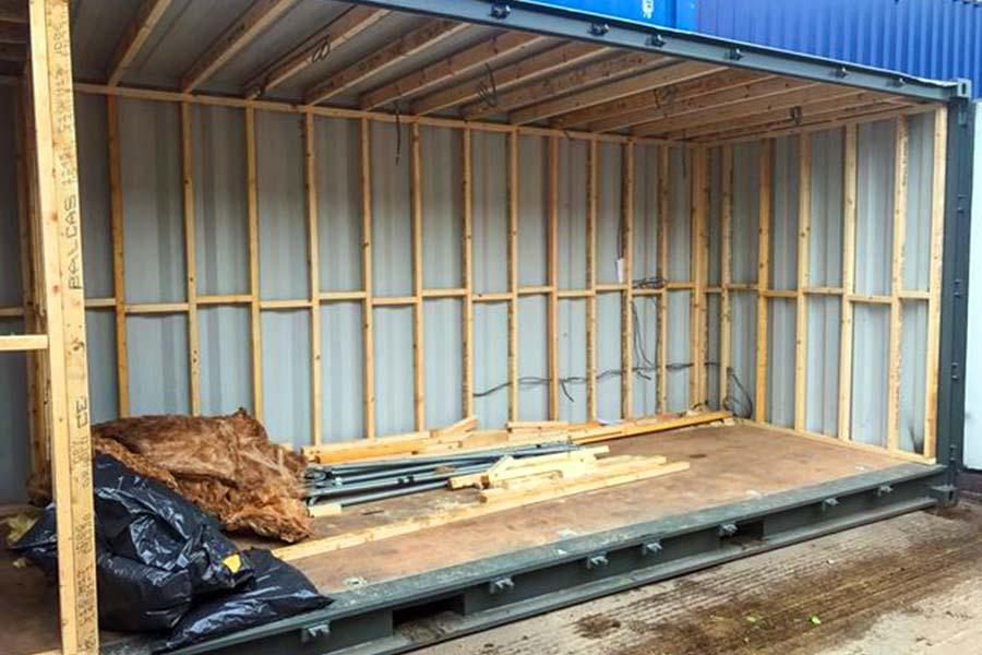 Construcción bar de lujo en contenedor marítimo