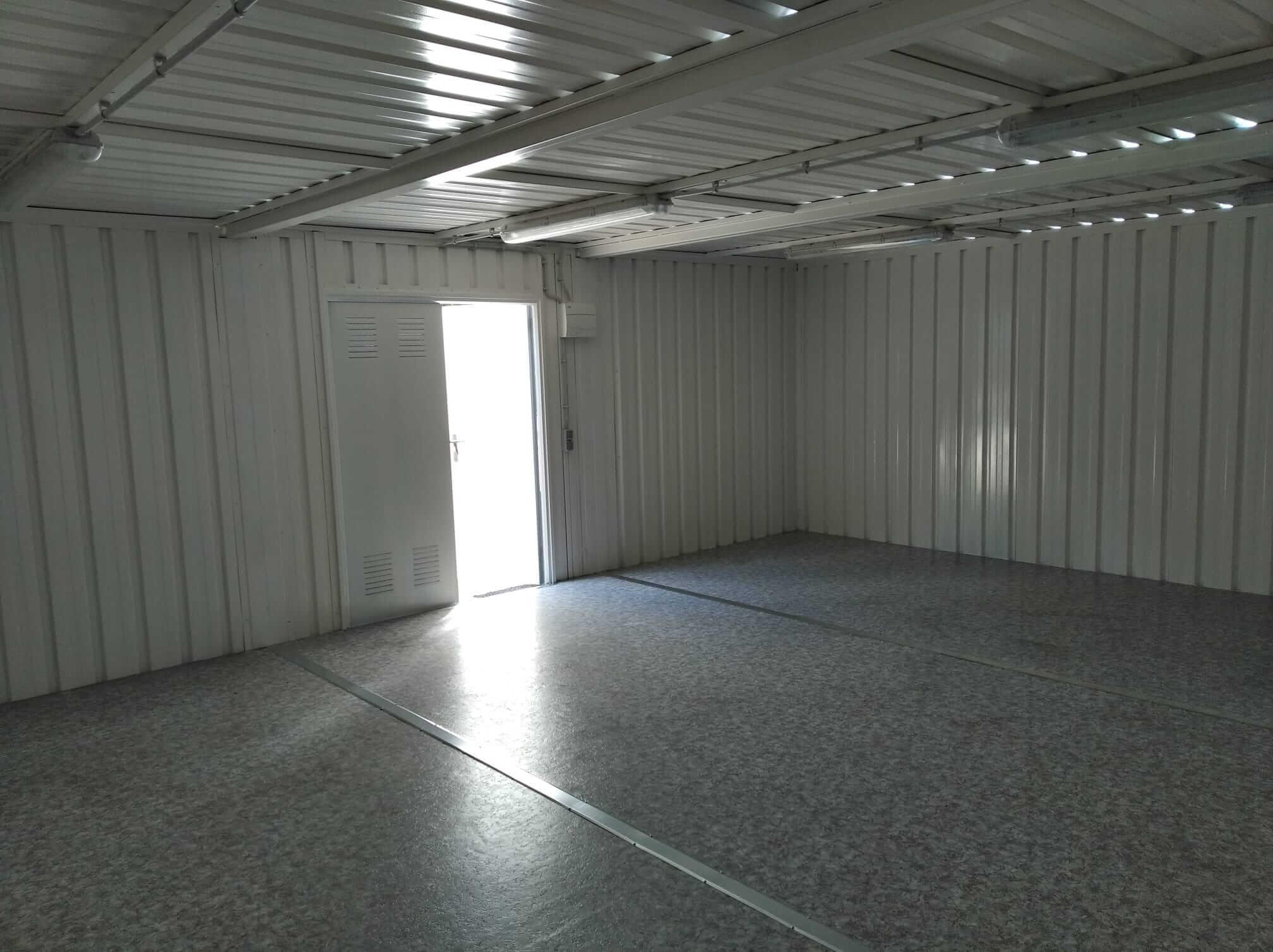 interior contenedor almacenaje